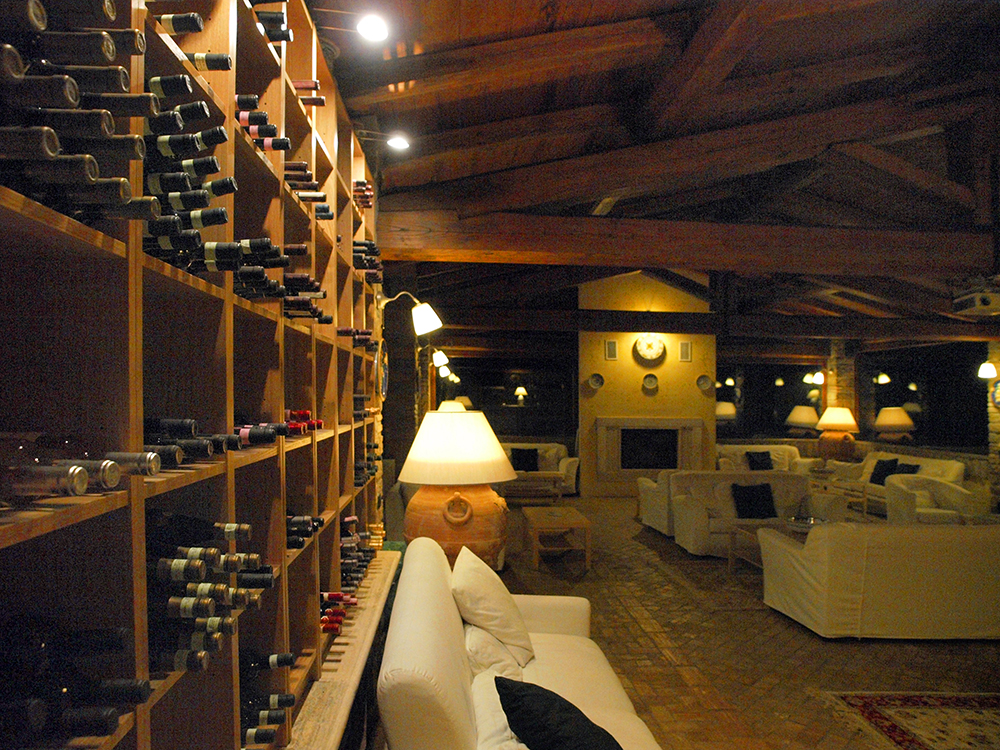 WinebarIntern01